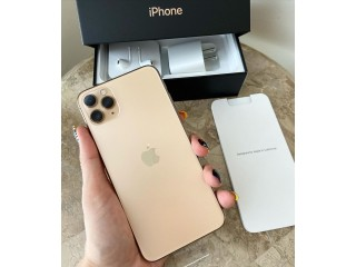 Nuevo original Apple iPhone 11 pro max ORO con Apple watch $250 venta bonanza