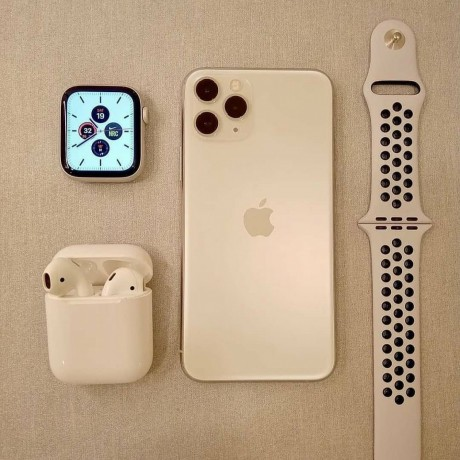 nuevo-original-apple-iphone-11-pro-max-oro-con-apple-watch-250-venta-bonanza-big-0