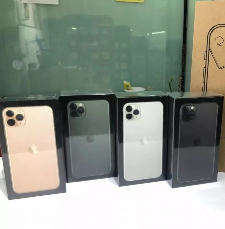 apple-iphone-11-pro-11-pro-max-samsung-galaxy-s20-s20-whatsapp-15596010090-big-1